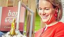 <br>Queen Mathilde <br>receives <br>Queen Mathilde in 3D